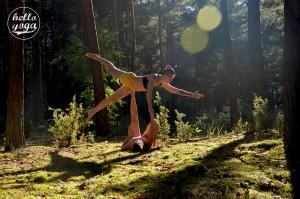 Hello Yoga Acro2a